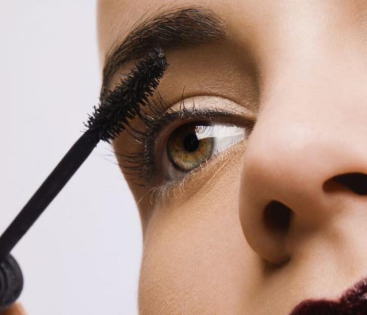 Aktions-Mascara: für Wimpernverlängerungen geeignet - ölfrei