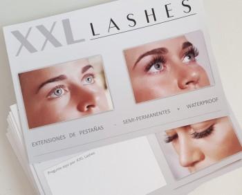 "100 Stk. Salonfolder ""XXL Lashes Wimpernverlängerung"" (A6, hochglanz, 6 Seiten) - spanisch"