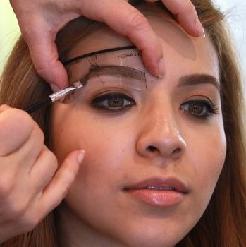 Semi permanentes Augenbrauenwachs - in 4 Farben - inkl. zweiseitigem Bürstchen
