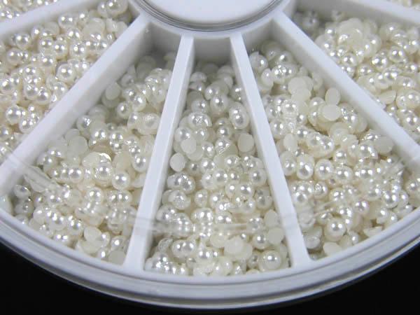 600 kleine Perlen im Rondell